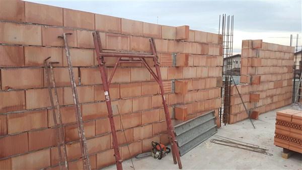 case tunari ioan slavici zidarie mansarda 154